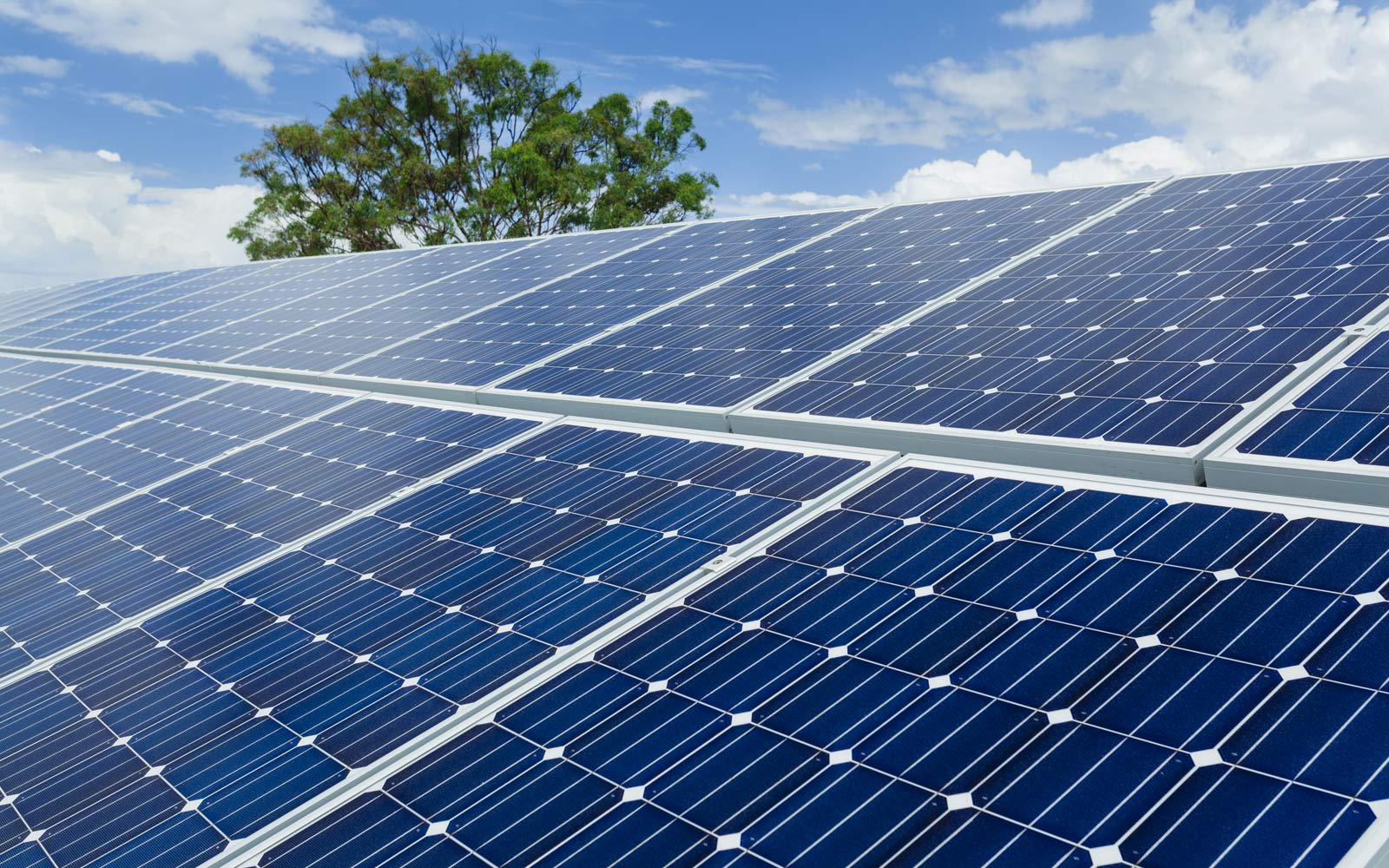 edinstalacije-solarni-paneli
